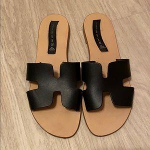 Steve Madden Greece Sandal in Black Size 7